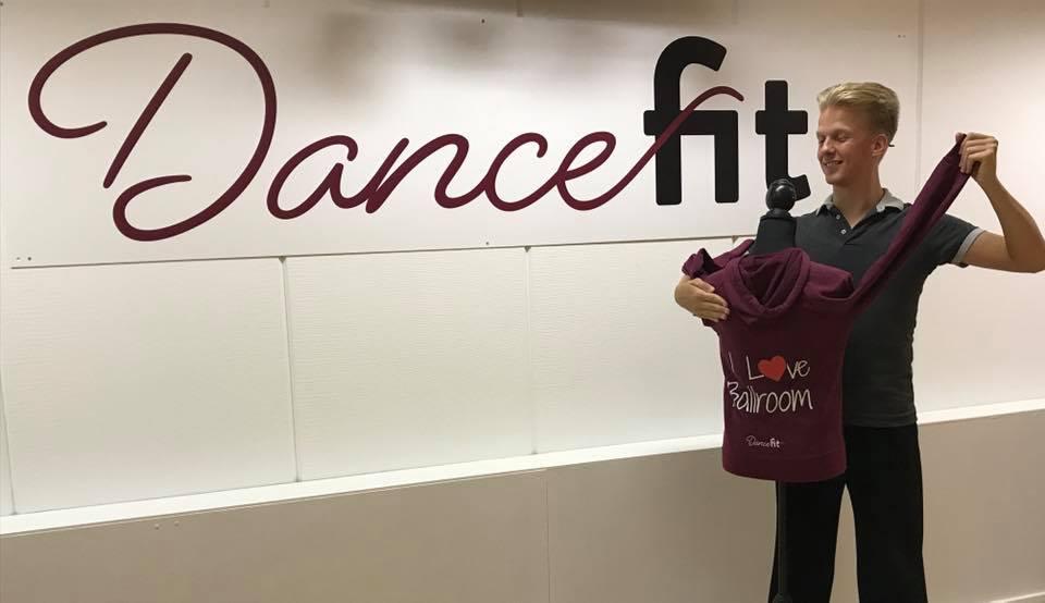 Wisselen van danspartner bij stijldansles van Dansschool Dance Fit